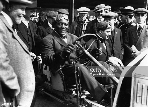 Jack Johnson of the USA one of the greatest yet most unpopular Heavyweight boxers of all time In 1908 he took the world title from Tommy Burns and...