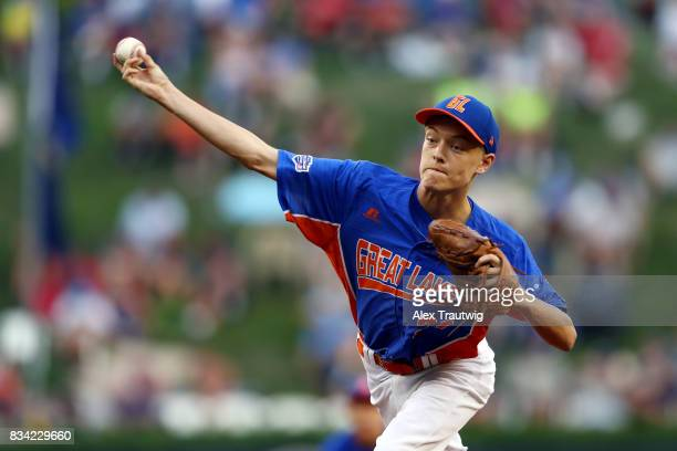 Jack Jones of the Great Lakes team from Michigan pitches during Game 4 of the 2017 Little League World Series against the Southwest team from Texas...