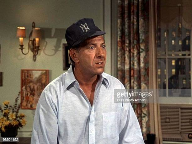 COUPLE Jack Klugman as Oscar Madison in 'The Blackout' Original airdate December 24 1970 Season 1 episode 13 Image is a screen grab