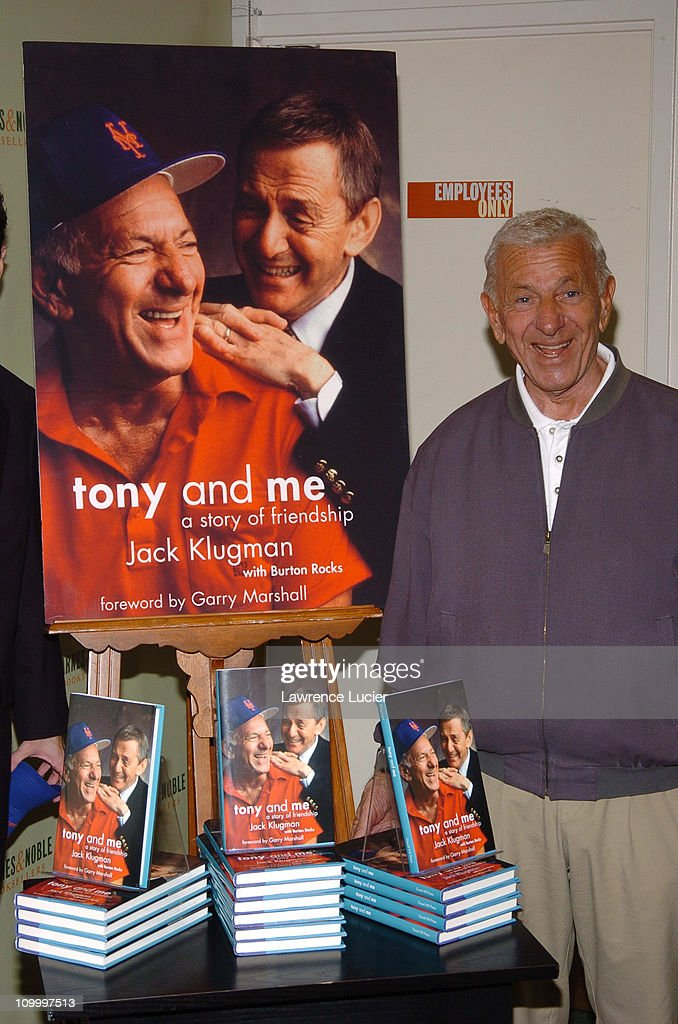 """Jack Klugman Signs His Book """"Tony and Me"""" at Barnes & Noble in New York City -"""