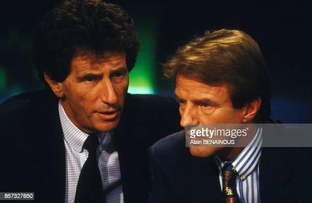Jack Lang et Bernard Kouchner sur le plateau de TF1 lors d'un debat sur le referendum de Maastricht le 20 septembre 1992 a Paris France
