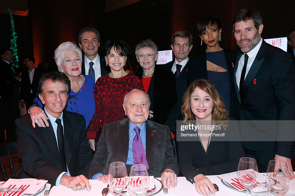 Jack Lang, Line Renaud, guest, Monique Lang, Pierre Berge, Francoise Barre-Sinoussi, professor Yves Levy, Daniela Lumbroso, Sonia Rolland and Jalil Lespert attend the Sidaction Gala Dinner 2017 - Haute Couture Spring Summer 2017 show as part of Paris Fashion Week on January 26, 2017 in Paris, France.