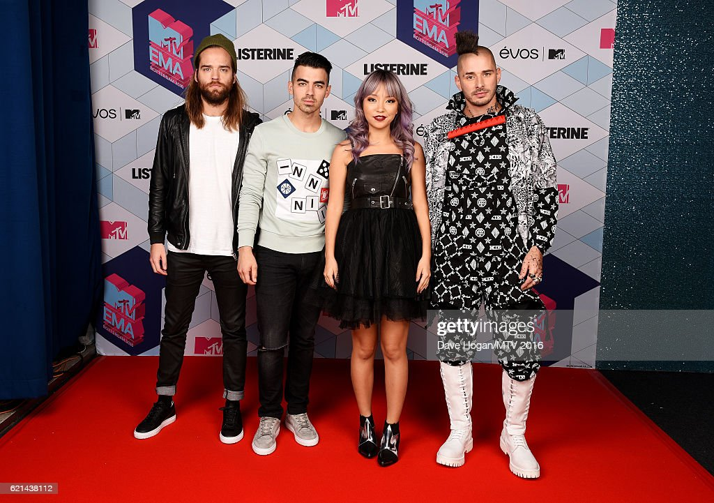jack-lawless-joe-jonas-jinjoo-lee-and-cole-whittle-of-dnce-attend-the-picture-id621438112