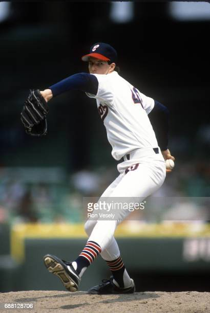 Jack McDowell of the Chicago White Sox pitches during an MLB game at Comiskey Park in Chicago Illinois McDowell played for the White Sox from 19871994