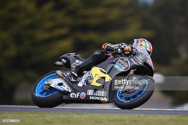 Jack Miller of Australia and Marc VDS Racing Team rounds the bend during the 2016 MotoGP Test Day at Phillip Island Grand Prix Circuit on February 17...