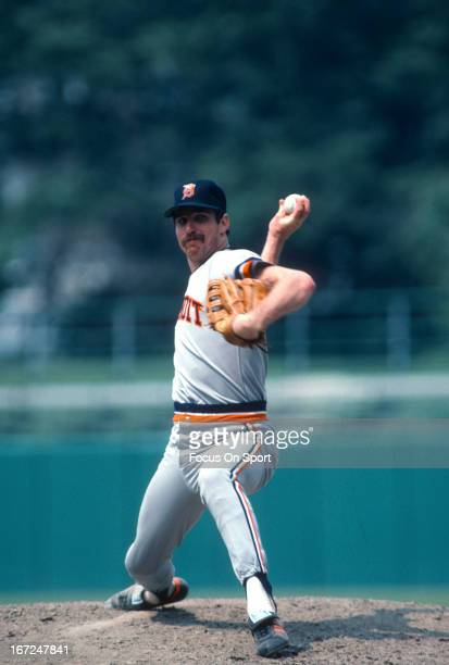 Jack Morris of the Detroit Tigers pitches against the Baltimore Orioles during an Major League Baseball game circa 1980 at Memorial Stadium in...