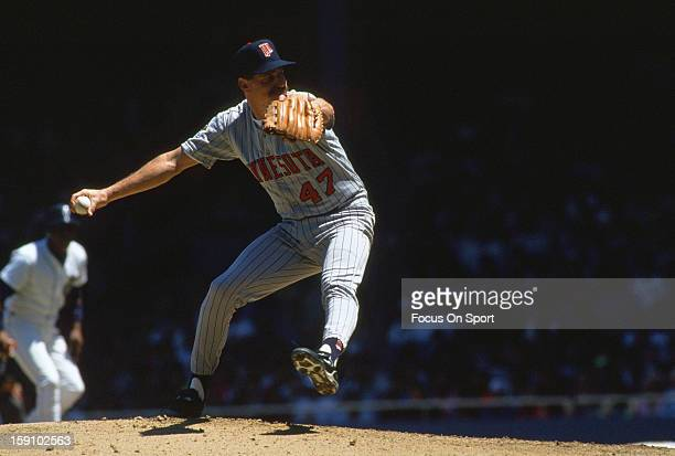 Jack Morris of the Minnesota Twins pitches against the Detroit Tigers during an Major League Baseball game circa 1991 at Tiger Stadium in Detroit...