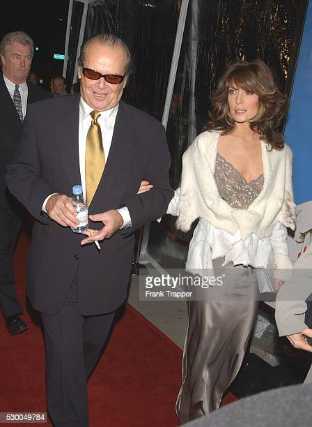 Jack Nicholson and Lara Flynn Boyle arriving at the premiere of About Schmidt