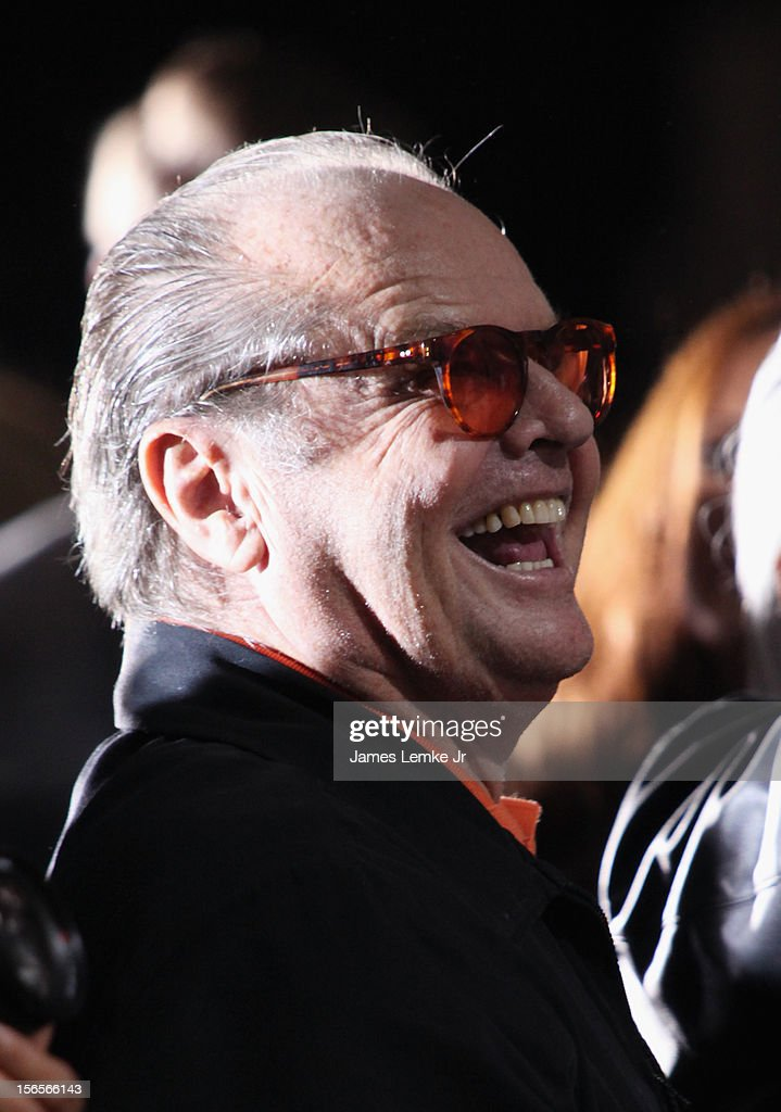 <a gi-track='captionPersonalityLinkClicked' href=/galleries/search?phrase=Jack+Nicholson&family=editorial&specificpeople=91177 ng-click='$event.stopPropagation()'>Jack Nicholson</a> attends the Kareem Abdul-Jabbar Statue Unveiling held at the Staples Center on November 16, 2012 in Los Angeles, California.