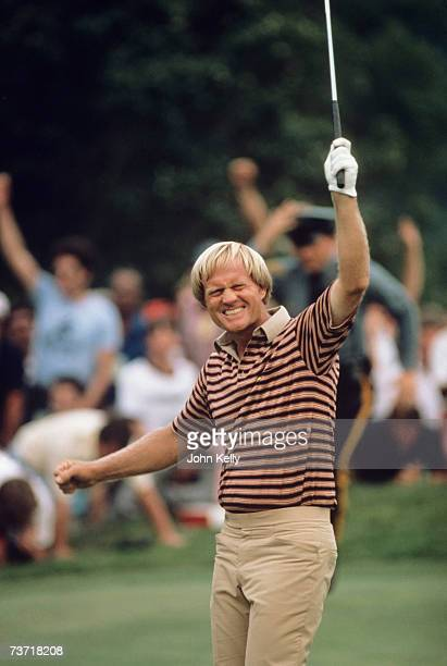 Jack Nicklaus celebrates after birdieing the 18th hole and winning the 1980 US Open at Baltusrol