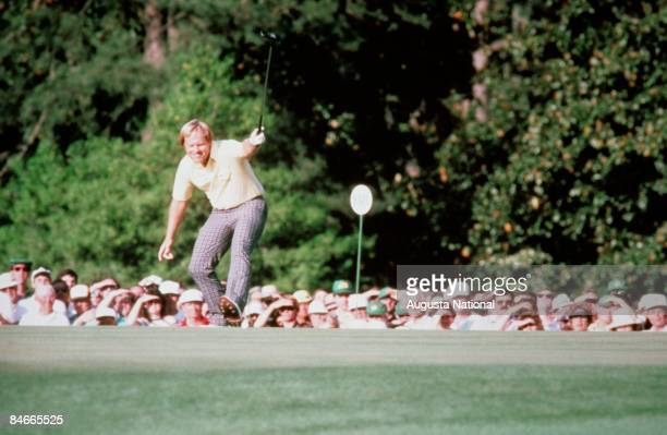 Jack Nicklaus watches his putt during the 1986 Masters Tournament at Augusta National Golf Club in April 1986 in Augusta Georgia