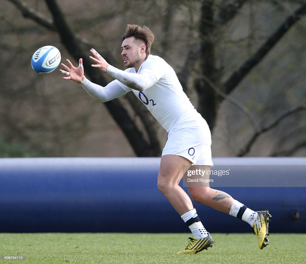<a gi-track='captionPersonalityLinkClicked' href=/galleries/search?phrase=Jack+Nowell&family=editorial&specificpeople=7377985 ng-click='$event.stopPropagation()'>Jack Nowell</a> catches the ball during the England training session held at Pennyhill Park on February 12, 2016 in Bagshot, England.