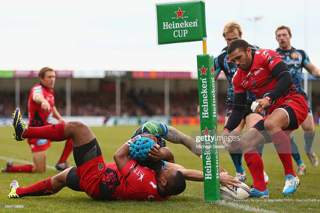Jack Nowell of Exeter Chiefs narrowly fails to score a try as <a gi-track='captionPersonalityLinkClicked' href=/galleries/search?phrase=Steffon+Armitage&family=editorial&specificpeople=2441242 ng-click='$event.stopPropagation()'>Steffon Armitage</a> (L) of Toulon challenges during the Heineken Cup Pool Two match between Exeter Chiefs and Toulon at Sandy Park on December 7, 2013 in Exeter, England.