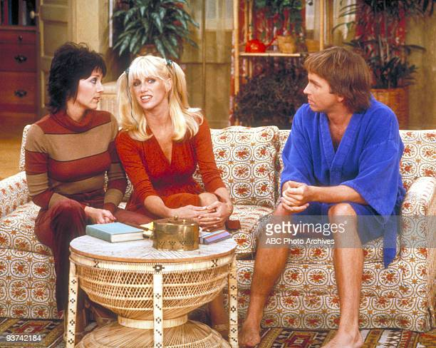 S COMPANY 'Jack on the Lam' Season Four 9/11/79 Jack dressed in drag to skirt FBI agents on his trail Joyce DeWitt and Suzanne Somers also star