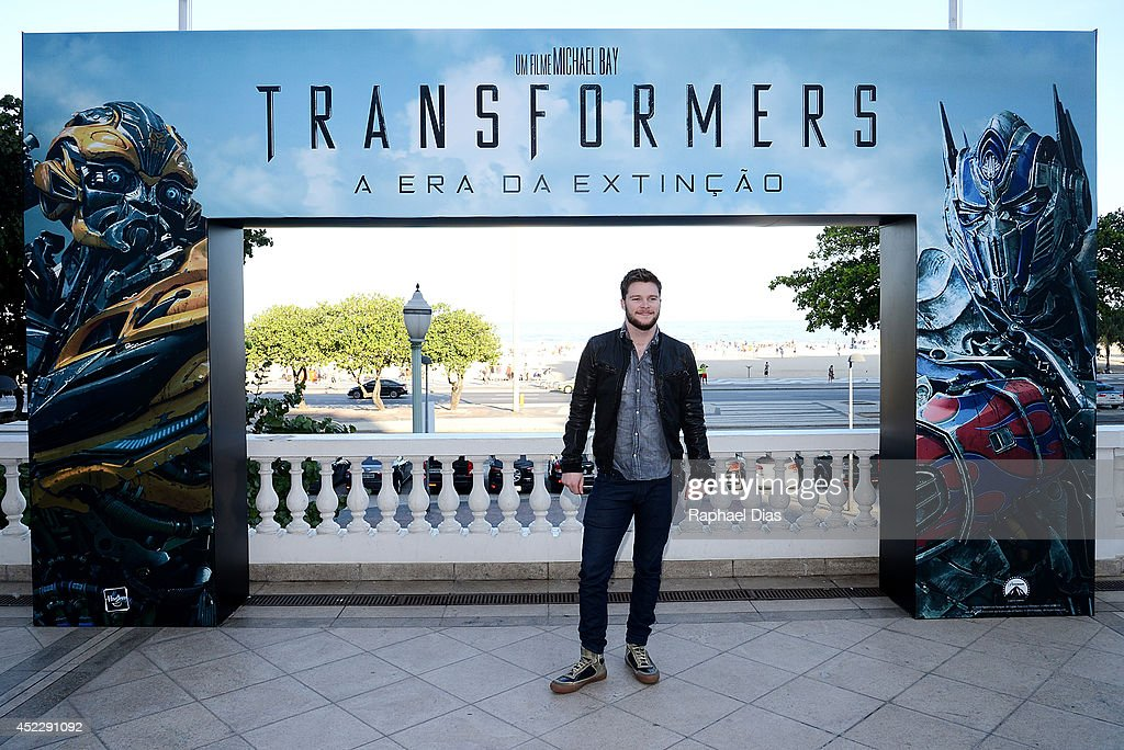 <a gi-track='captionPersonalityLinkClicked' href=/galleries/search?phrase=Jack+Reynor&family=editorial&specificpeople=10130487 ng-click='$event.stopPropagation()'>Jack Reynor</a> attends the photocall for Paramount Pictures' 'Transformers: Age of Extinction' at Copacabana Palace Hotel on July 17, 2014 in Rio de Janeiro, Brazil.