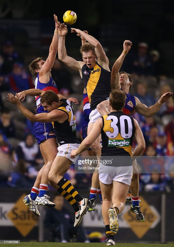 Jack Riewoldt of the Tigers attempts to mark the ball during the round 13 AFL match between the Western Bulldogs and the Richmond Tigers at Etihad Stadium on June 22, 2013 in Melbourne, Australia.