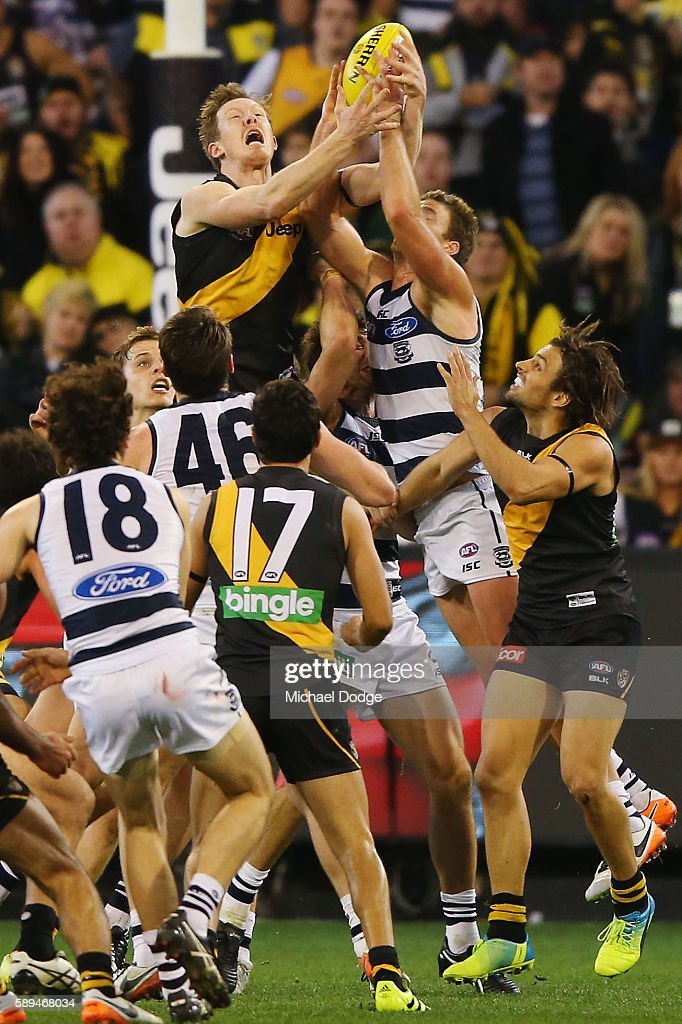 Jack Riewoldt of the Tigers in the last play of the day tries to unsuccessfully mark the ball in order to potentially have a kick for goal to win the...