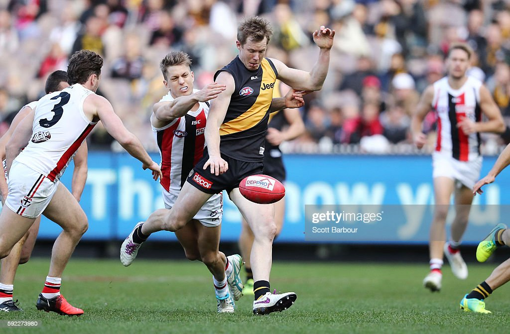 Jack Riewoldt of the Tigers kicks the ball during the round 22 AFL match between the Richmond Tigers and the St Kilda Saints at Melbourne Cricket...