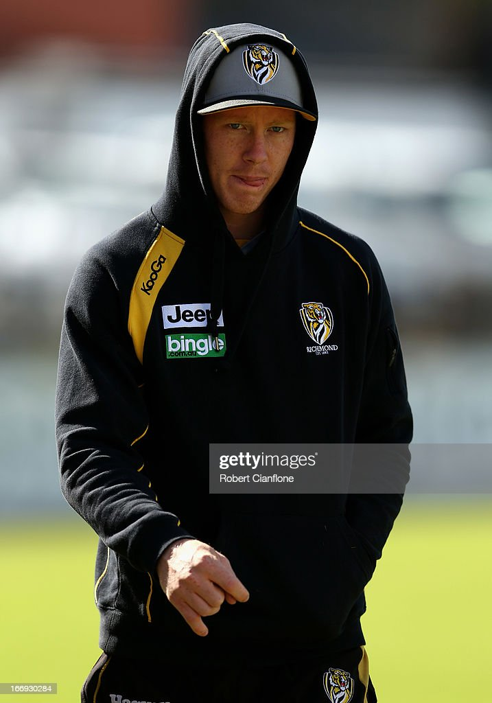 <a gi-track='captionPersonalityLinkClicked' href=/galleries/search?phrase=Jack+Riewoldt&family=editorial&specificpeople=2327975 ng-click='$event.stopPropagation()'>Jack Riewoldt</a> of the Tigers walks laps during a Richmond Tigers AFL training session at ME Bank Centre on April 19, 2013 in Melbourne, Australia.