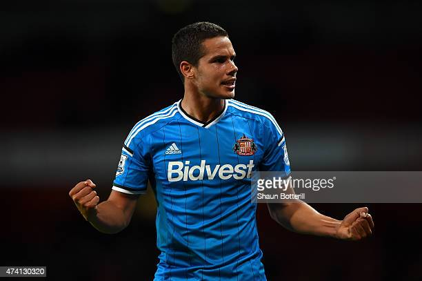 Jack Rodwell of Sunderland celebrates after the final whistle as his side avoid relegation during the Barclays Premier League match between Arsenal...