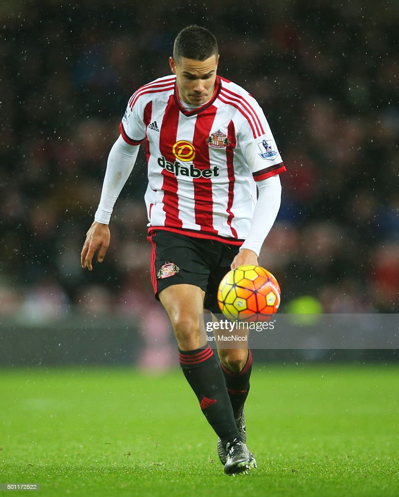 Jack Rodwell of Sunderland controls the ball during the Barclays Premier League match between Sunderland and Watford at The Stadium of Light on December 12, 2015 in Sunderland, England.