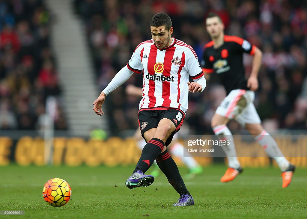 <a gi-track='captionPersonalityLinkClicked' href=/galleries/search?phrase=Jack+Rodwell&family=editorial&specificpeople=4266551 ng-click='$event.stopPropagation()'>Jack Rodwell</a> of Sunderland in action during the Barclays Premier League match between Sunderland and Manchester United at the Stadium of Light on February 13, 2016 in Sunderland, England.