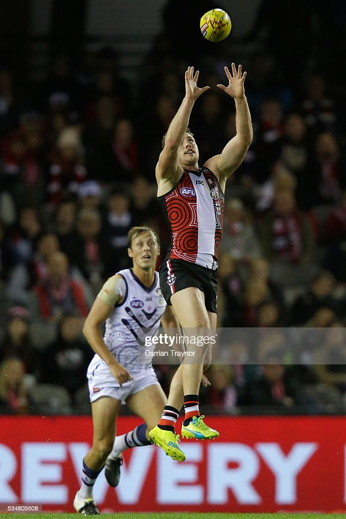 Jack Steven of the Saints marks the ball during the round 10 AFL match between the St Kilda Saints and the Fremantle Dockers at Etihad Stadium on May 28, 2016 in Melbourne, Australia.