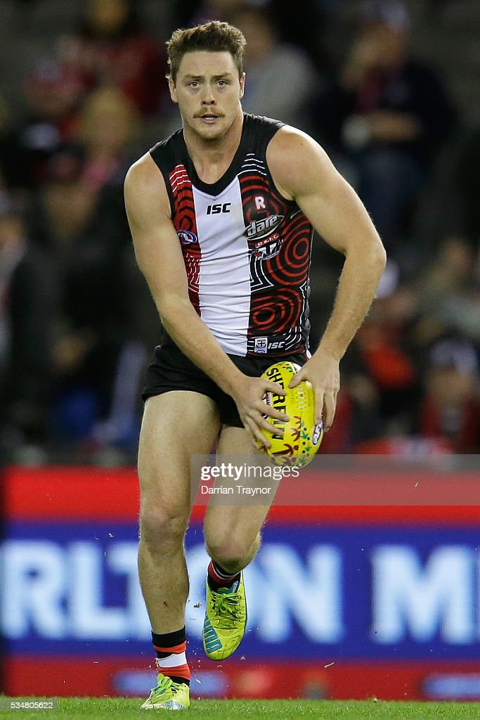 Jack Steven of the Saints runs with the ball during the round 10 AFL match between the St Kilda Saints and the Fremantle Dockers at Etihad Stadium on May 28, 2016 in Melbourne, Australia.