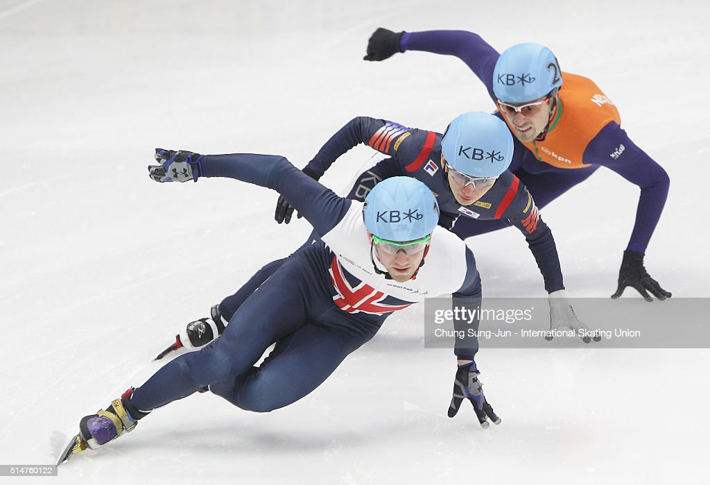 <a gi-track='captionPersonalityLinkClicked' href=/galleries/search?phrase=Jack+Whelbourne&family=editorial&specificpeople=6708209 ng-click='$event.stopPropagation()'>Jack Whelbourne</a> of Great Britain, Park Se-Yeong of South Korea and Freek van der Wart of Netherlands compete in the Men 500m-Heats during the ISU World Short Track Speed Skating Championships 2016 at Mokdong Icerink on March 11, 2016 in Seoul, South Korea.