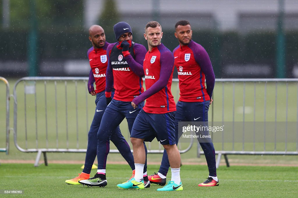 <a gi-track='captionPersonalityLinkClicked' href=/galleries/search?phrase=Jack+Wilshere&family=editorial&specificpeople=5446655 ng-click='$event.stopPropagation()'>Jack Wilshere</a> and team mates arrive prior to the England training session at Manchester City Football Academy on May 25, 2016 in Manchester, England.