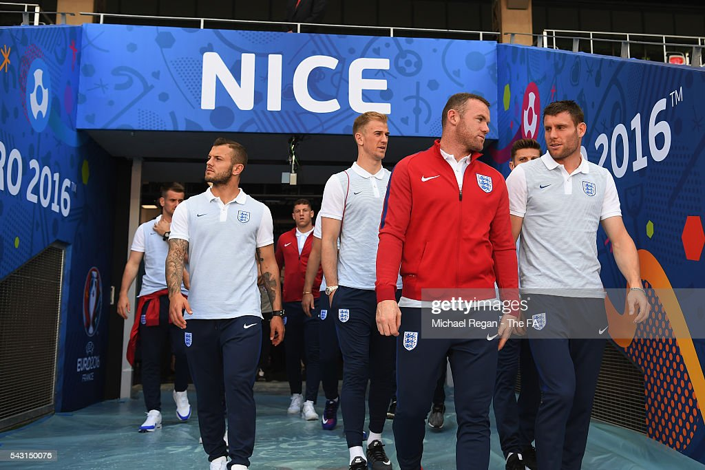 <a gi-track='captionPersonalityLinkClicked' href=/galleries/search?phrase=Jack+Wilshere&family=editorial&specificpeople=5446655 ng-click='$event.stopPropagation()'>Jack Wilshere</a>, <a gi-track='captionPersonalityLinkClicked' href=/galleries/search?phrase=Joe+Hart&family=editorial&specificpeople=1295472 ng-click='$event.stopPropagation()'>Joe Hart</a>, <a gi-track='captionPersonalityLinkClicked' href=/galleries/search?phrase=Wayne+Rooney&family=editorial&specificpeople=157598 ng-click='$event.stopPropagation()'>Wayne Rooney</a> and <a gi-track='captionPersonalityLinkClicked' href=/galleries/search?phrase=James+Milner+-+Soccer+Player&family=editorial&specificpeople=214576 ng-click='$event.stopPropagation()'>James Milner</a> look on as the England team inspect the pitch at the Allianz Riviera Stadium on June 26, 2016 in Nice, France.