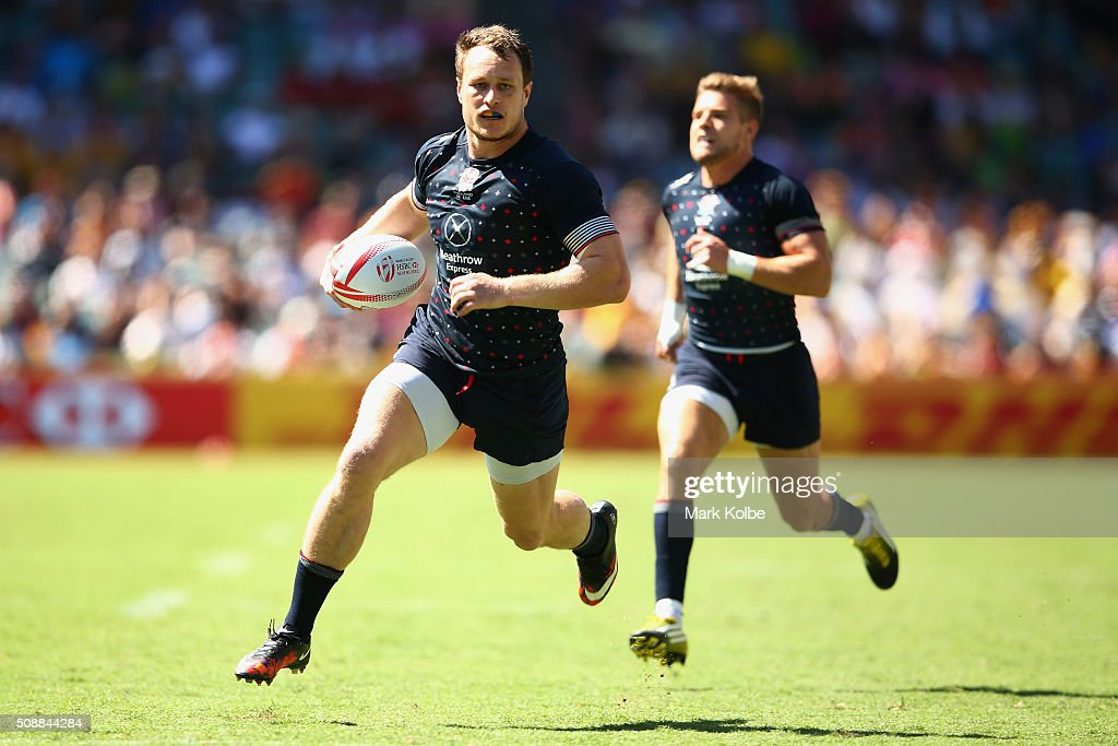 Jack Wilson of England breaks away to score a try during the 2016 Sydney Sevens plate semi final match between England and Argentina at Allianz Stadium on February 7, 2016 in Sydney, Australia.