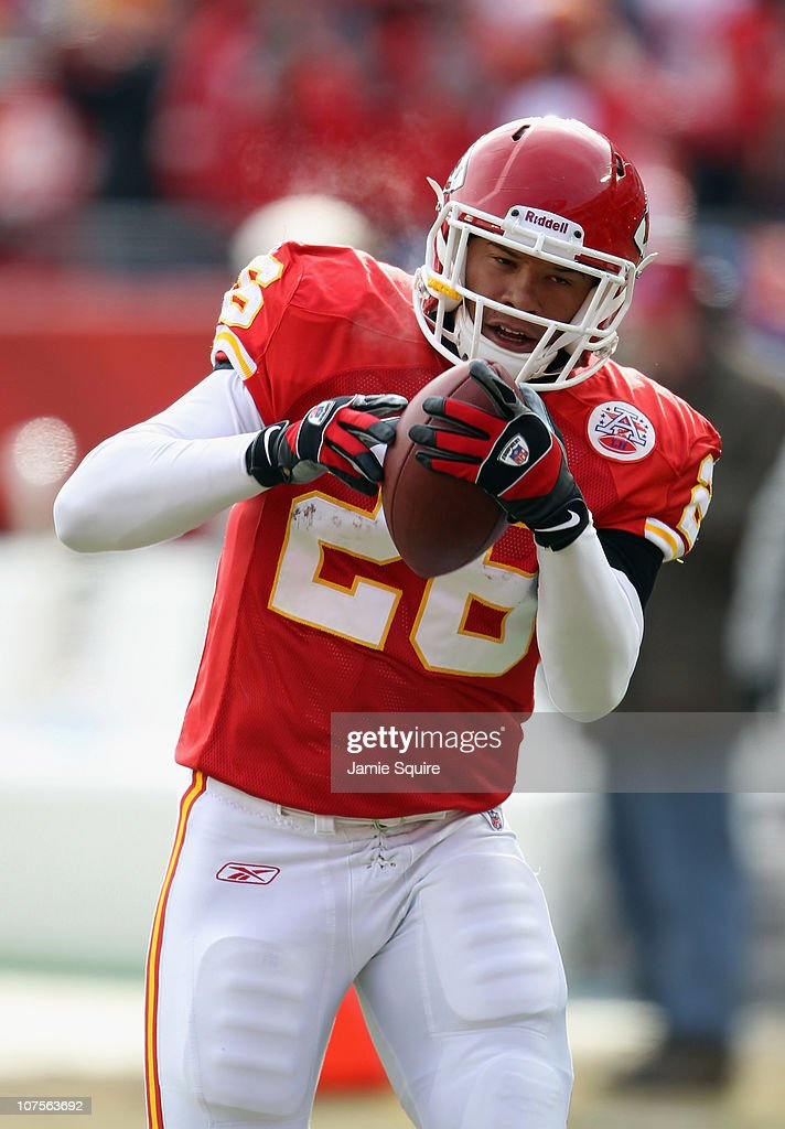 <a gi-track='captionPersonalityLinkClicked' href=/galleries/search?phrase=Jackie+Battle&family=editorial&specificpeople=2852926 ng-click='$event.stopPropagation()'>Jackie Battle</a> #26 of the Kansas City Chiefs in action during the game against the Denver Broncos on December 5, 2010 at Arrowhead Stadium in Kansas City, Missouri.