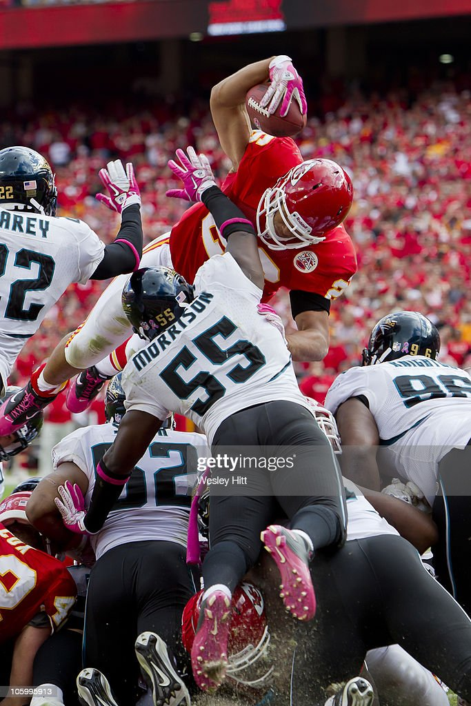 <a gi-track='captionPersonalityLinkClicked' href=/galleries/search?phrase=Jackie+Battle&family=editorial&specificpeople=2852926 ng-click='$event.stopPropagation()'>Jackie Battle</a> #26 of the Kansas City Chiefs jumps over the line for a touchdown against the Jacksonville Jaguars on October 24, 2010 in Kansas City, Missouri. The Chiefs defeated the Jaguars 42-20.