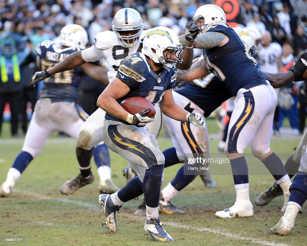 <a gi-track='captionPersonalityLinkClicked' href=/galleries/search?phrase=Jackie+Battle&family=editorial&specificpeople=2852926 ng-click='$event.stopPropagation()'>Jackie Battle</a> #44 of the San Diego Chargers carries the ball during a 24-21 win over the Oakland Raiders at Qualcomm Stadium on December 30, 2012 in San Diego, California.