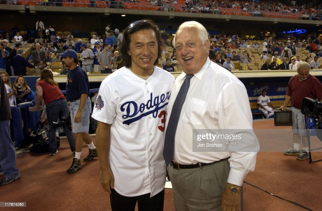 Jackie Chan and Tommy Lasorda before the Dodgers beat the San Francisco Giants 63