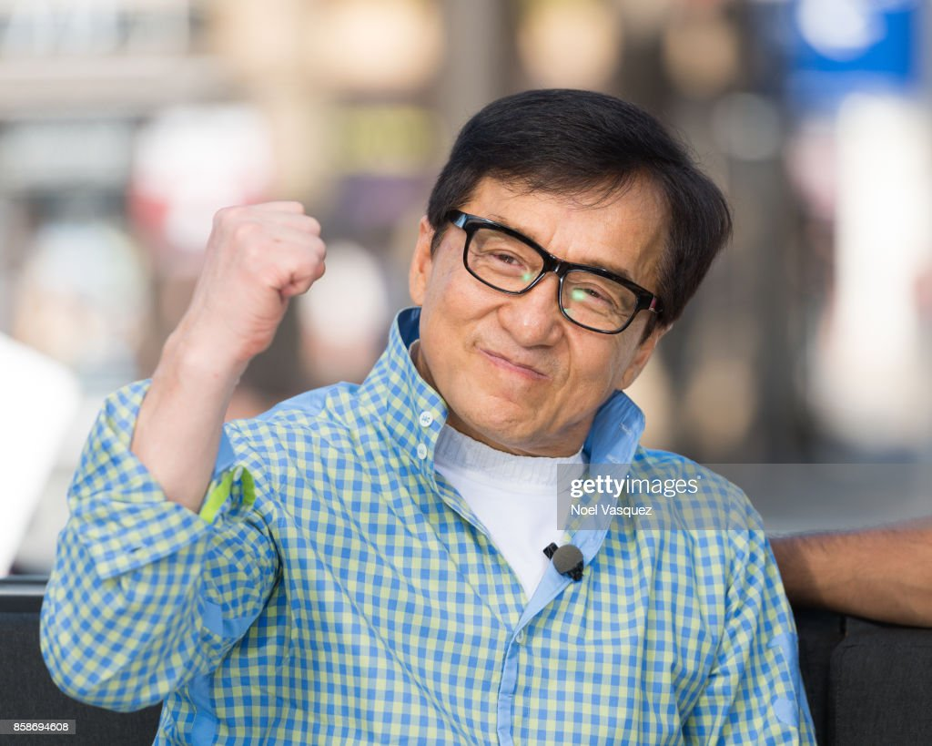 Jackie Chan visits 'Extra' at Universal Studios Hollywood on October 5, 2017 in Universal City, California.