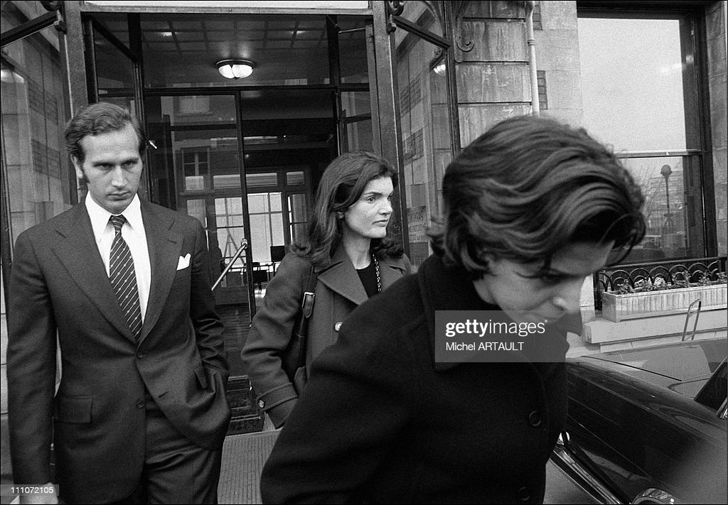 Jackie, Christina Leaving Hopit, Americain - Goulandris; Jacqueline And <a gi-track='captionPersonalityLinkClicked' href=/galleries/search?phrase=Christina+Onassis&family=editorial&specificpeople=206928 ng-click='$event.stopPropagation()'>Christina Onassis</a> In Paris, France On February 08, 1975
