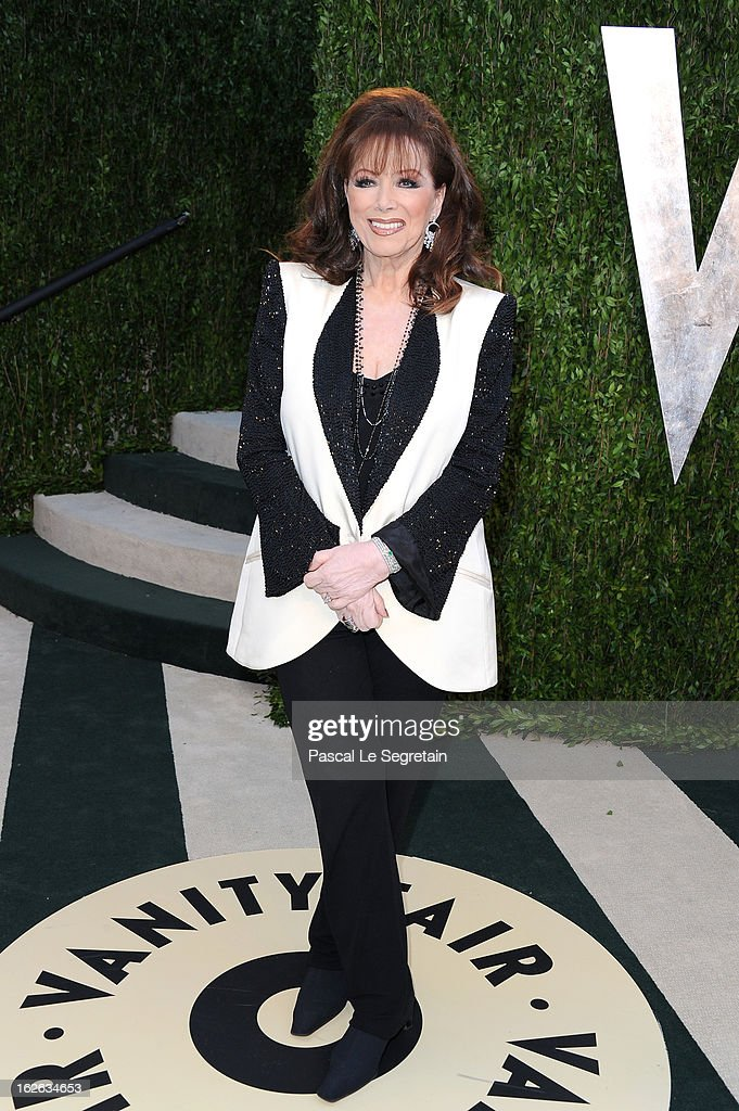 <a gi-track='captionPersonalityLinkClicked' href=/galleries/search?phrase=Jackie+Collins&family=editorial&specificpeople=123843 ng-click='$event.stopPropagation()'>Jackie Collins</a> arrives at the 2013 Vanity Fair Oscar Party hosted by Graydon Carter at Sunset Tower on February 24, 2013 in West Hollywood, California.