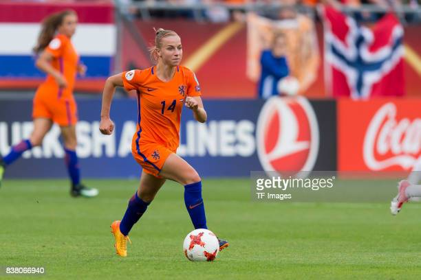 Jackie Groenen of the Netherlands controls the ball during their Group A match between Netherlands and Norway during the UEFA Women's Euro 2017 at...