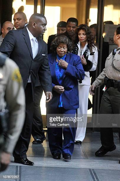 Jackie Jackson Katherine Jackson LaToya Jackson and Jermaine Jackson leave the preliminary hearing for Dr Conrad Murray on January 5 2011 in Los...