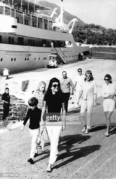 Jackie Kennedy et son fils en vacances à l'été 1969