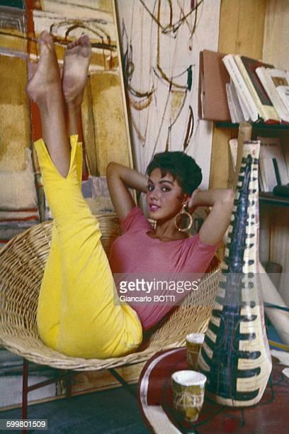 Jackie Lane actrice de la série télévisée britannique de sciencefiction 'Doctor Who' circa 1960 au RoyaumeUni