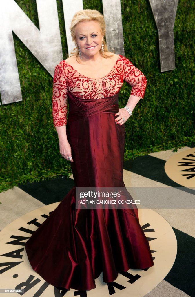 Jackie Weaver arrives for the 2013 Vanity Fair Oscar Party on February 24, 2013 in Hollywood, California.