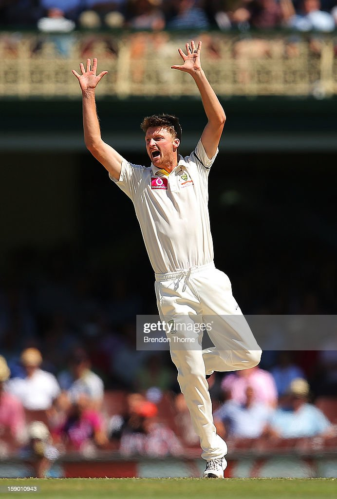Jackson Bird of Australia appeals during day four of the Third Test match between Australia and Sri Lanka at the Sydney Cricket Ground on January 6, 2013 in Sydney, Australia.