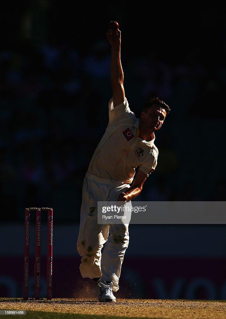 Jackson Bird of Australia bowls during day three of the Third Test match between Australia and Sri Lanka at Sydney Cricket Ground on January 5, 2013 in Sydney, Australia.