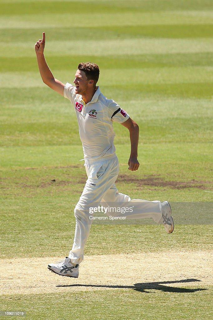 Jackson Bird of Australia celebrates dismissing Rangana Herath of Sri Lanka during day four of the Third Test match between Australia and Sri Lanka at the Sydney Cricket Ground on January 6, 2013 in Sydney, Australia.
