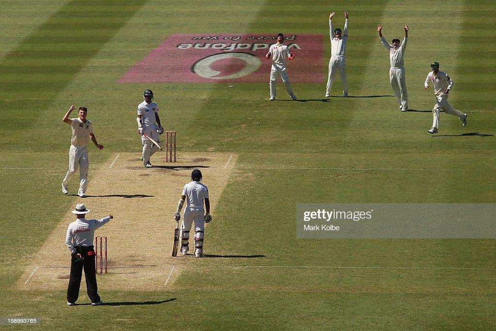 Jackson Bird of Australia celebrates taking the wicket of Dimuth Karunaratne of Sri Lanka during day three of the Third Test match between Australia and Sri Lanka at Sydney Cricket Ground on January 5, 2013 in Sydney, Australia.