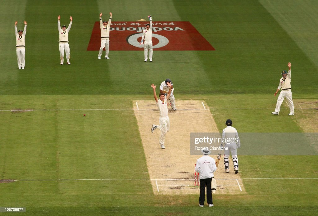 <a gi-track='captionPersonalityLinkClicked' href=/galleries/search?phrase=Jackson+Bird&family=editorial&specificpeople=8665256 ng-click='$event.stopPropagation()'>Jackson Bird</a> of Australia takes the wicket of <a gi-track='captionPersonalityLinkClicked' href=/galleries/search?phrase=Thilan+Samaraweera&family=editorial&specificpeople=240324 ng-click='$event.stopPropagation()'>Thilan Samaraweera</a> of Sri Lanka during day three of the Second Test match between Australia and Sri Lanka at Melbourne Cricket Ground on December 28, 2012 in Melbourne, Australia.