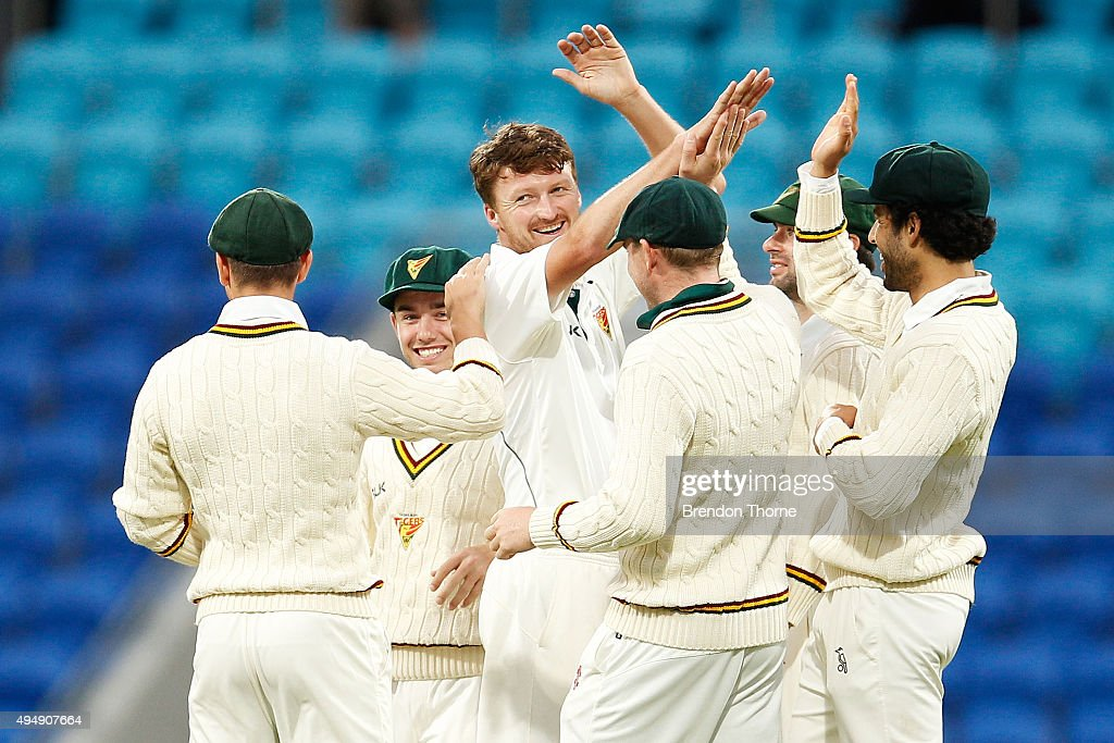 <a gi-track='captionPersonalityLinkClicked' href=/galleries/search?phrase=Jackson+Bird&family=editorial&specificpeople=8665256 ng-click='$event.stopPropagation()'>Jackson Bird</a> of Tasmania celebrates with team mates after claiming the wicket of Shaun Marsh of Western Australia during day three of the Sheffield Shield match between Tasmania and Western Australia at Blundstone Arena on October 30, 2015 in Hobart, Australia.